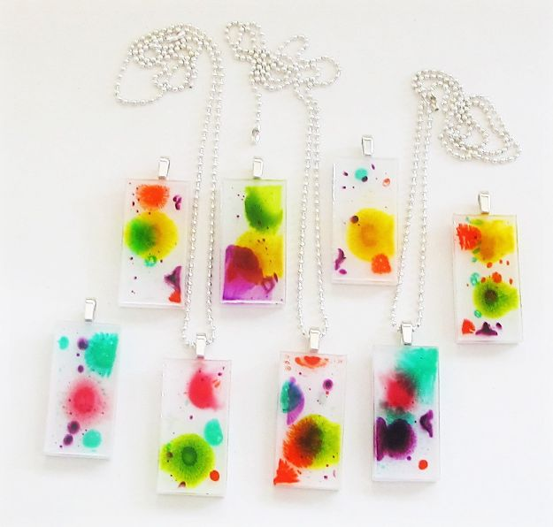 DIY Resin Casting Crafts - Resin and Ink Pendants - Homemade Resin and Epoxy Craft Projects and Ideas - How to Make Resin Jewelry - Use Silicon Molds to Make Paper Weights, Creative Christmas Ornaments and Crafts to Make and Sell - Flowers, Pictures, Clocks, Tabletop, Inspiration for Handmade Jewelry and Items to Sell on Etsy #crafts