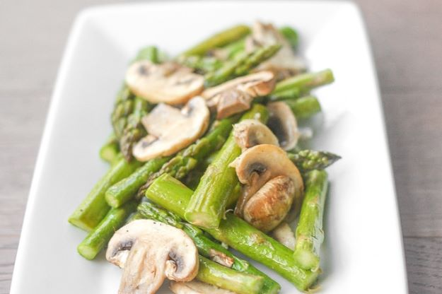 Asparagus Recipes - Roasted Garlic Asparagus and Mushrooms - DIY Asparagus Recipe Ideas for Homemade Soups, Sides and Salads - Easy Tutorials for Roasted, Sauteed, Steamed, Baked, Grilled and Pureed Asparagus - Party Foods, Quick Dinners, Dishes With Cheese, Vegetarian and Vegan Options - Healthy Recipes With Step by Step Instructions http://diyjoy.com/asparagus-recipes