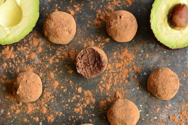 Chocolate Desserts and Recipe Ideas - Silky Dark Chocolate Avocado Truffles - Easy Chocolate Recipes With Mint, Peanut Butter and Caramel - Quick No Bake Dessert Idea, Healthy Desserts, Cake, Brownies, Pie and Mousse - Best Fancy Chocolates to Serve for Two