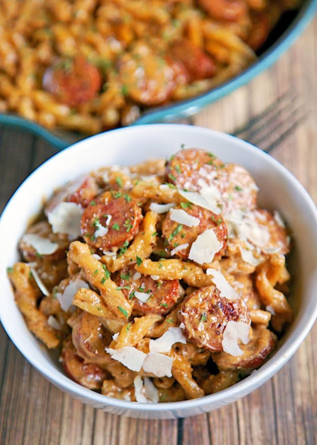 Best Pasta Recipes - Smoked Sausage Cajun Alfredo - Easy Pasta Recipe Ideas for Dinner, Lunch and Party Foods - Healthy and Easy Pastas With Shrimp, Beef, Chicken, Sausage, Tomato and Vegetarian - Creamy Alfredo, Marinara Red Sauce - Homemade Sauces and One Pot Meals for Quick Prep - Penne, Fettucini, Spaghetti, Ziti and Angel Hair http://diyjoy.com/pasta-recipes