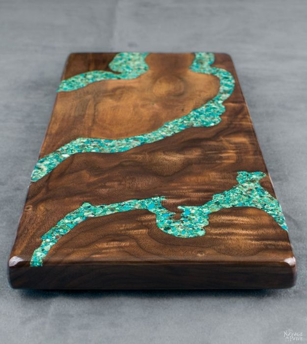 DIY Resin Casting Crafts - Turquoise Inlay Cheese Board - Homemade Resin and Epoxy Craft Projects and Ideas - How to Make Resin Jewelry - Use Silicon Molds to Make Paper Weights, Creative Christmas Ornaments and Crafts to Make and Sell - Flowers, Pictures, Clocks, Tabletop, Inspiration for Handmade Jewelry and Items to Sell on Etsy #crafts
