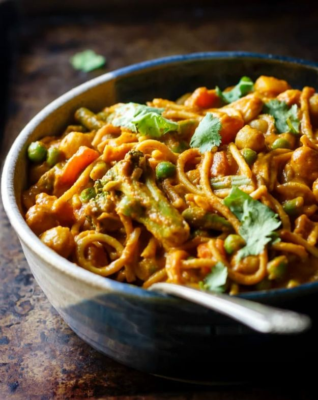 Veggie Noodle Recipes - Veggie Noodle Curry Bowls - How to Cook With Veggie Noodles - Healthy Pasta Recipe Ideas - How to Make Veggie Noodles With Carrots and Zucchini - Vegan, Vegetarian , Keto and Low Carb Dishes for Your Diet - Meatballs, Chicken, Cheese, Asian Stir Fry, Salad and Raw Preparations #veggienoodles #recipes #keto #lowcarb #ketorecipes http://diyjoy.com/veggie-noodle-recipes