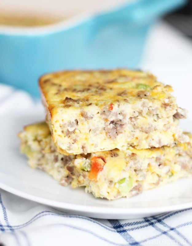 Keto Breakfast Recipes - World's Best Breakfast Casserole - Low Carb Breakfasts and Morning Meals for the Ketogenic Diet - Low Carbohydrate Foods on the Go - Easy Crockpot Recipes and Casserole - Muffins and Pancakes, Shake and Smoothie, Ideas With No Eggs http://diyjoy.com/keto-breakfast-recipes