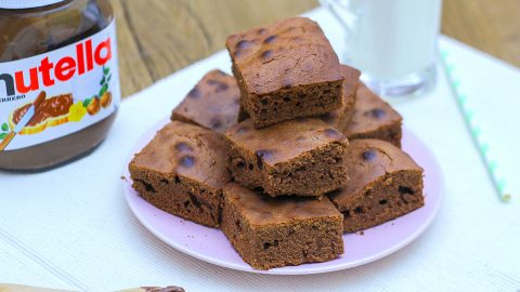 Easy 3 Ingredient Nutella Brownies | DIY Joy Projects and Crafts Ideas