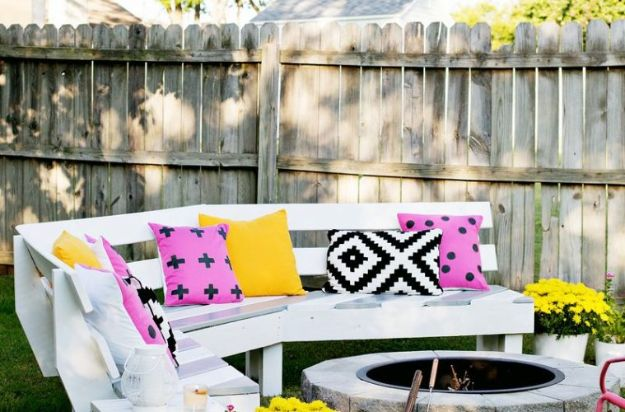 DIY Outdoor Furniture - $125 Curved Fire Pit Bench - Cheap and Easy Ideas for Patio and Porch Seating and Tables, Chairs, Sofas - How To Make Outdoor Furniture Projects on A Budget - Fmaily Friendly Decor Kids Love - Quick Projects to Make This Weekend - Swings, Pallet Tables, End Tables, Rocking Chairs, Daybeds and Benches http://diyjoy.com/diy-outdoor-furniture