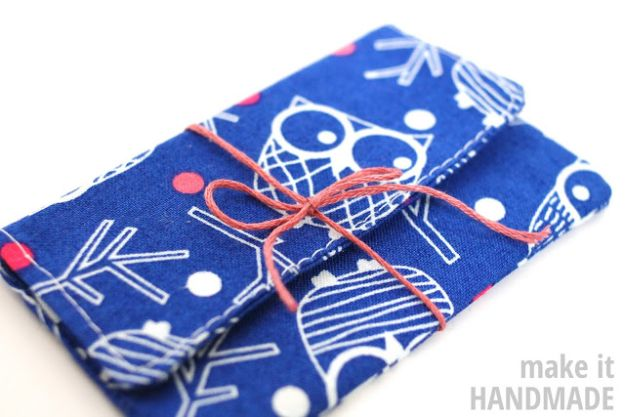 Sewing Projects for Beginners - 5-Minute Gift Card Holder - Easy Sewing Project Ideas and Free Patterns for Basic Clothing, Kids Clothes, Quick Baby Gifts, DIY Bags, Sewing Crafts to Make and Sell on Etsy - Scarf Tutorial, Blankets, Stuffed Animals, Home Decor and Linens, Curtains and Bedding, Hand Sewn cute christmas gifts to sew