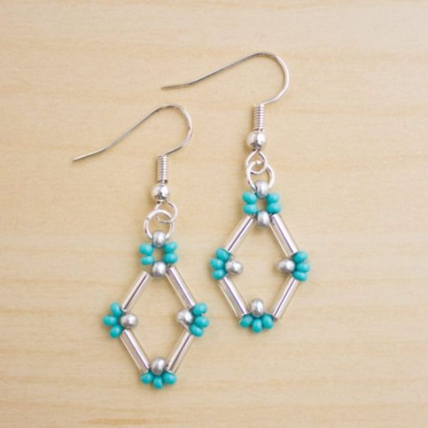 DIY Earrings - Bugle Bead Earrings - Easy Earring Projects for Studs, Dangle, Hoops, Tassel, Wire Wrap Beads and Handmade Cuff - Vintage, Boho, Beaded, Leather, Fabric andCrochet Ideas - Cheap Gifts for Her - Homemade Jewelry Tutorials With Step By Step Instructions