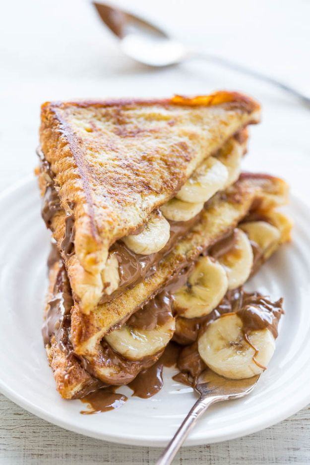 French Toast Recipes - Chocolate Peanut Butter Banana Stuffed French Toast - Best Brunch Bites and Breakfast Ideas for French Toast - Stuffed, Baked and Creme Brulee Toasts With Fruit - Healthy Sugar Free, Gluten Free and Keto Versions - Casserole Ideas for Parties and Feeding A Crowd, Sticks and Overnight Prep - How To Make French Toast Perfectly, Classic Powdered Sugar French Toast Recipe http://diyjoy.com/french-toast-recipes