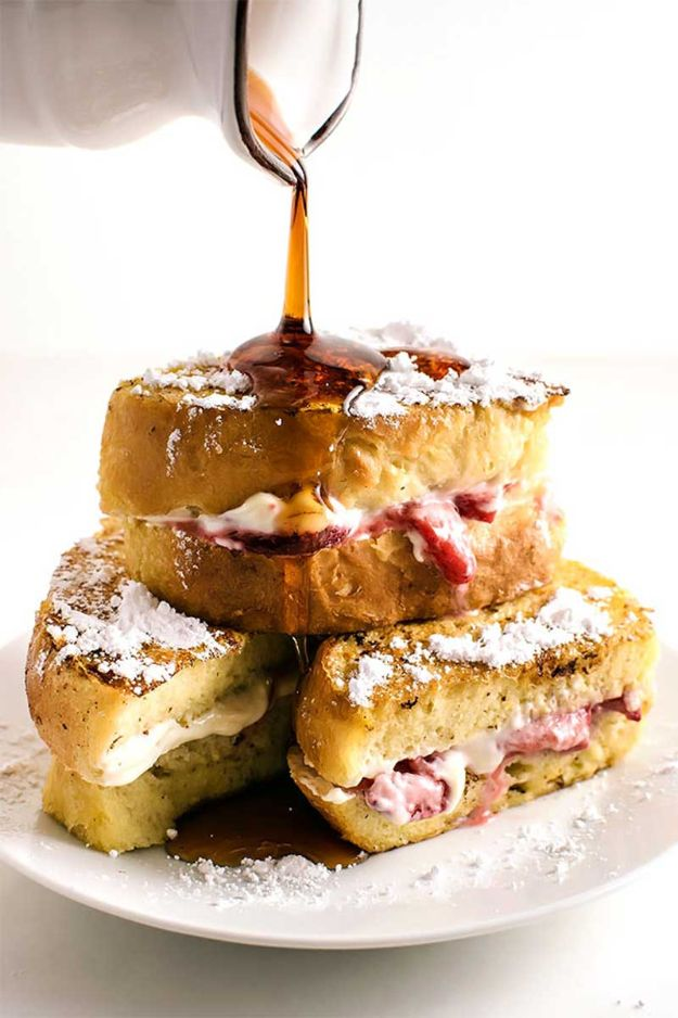 French Toast Recipes - Classic Strawberry Stuffed French Toast - Best Brunch Bites and Breakfast Ideas for French Toast - Stuffed, Baked and Creme Brulee Toasts With Fruit - Healthy Sugar Free, Gluten Free and Keto Versions - Casserole Ideas for Parties and Feeding A Crowd, Sticks and Overnight Prep - How To Make French Toast Perfectly, Classic Powdered Sugar French Toast Recipe http://diyjoy.com/french-toast-recipes