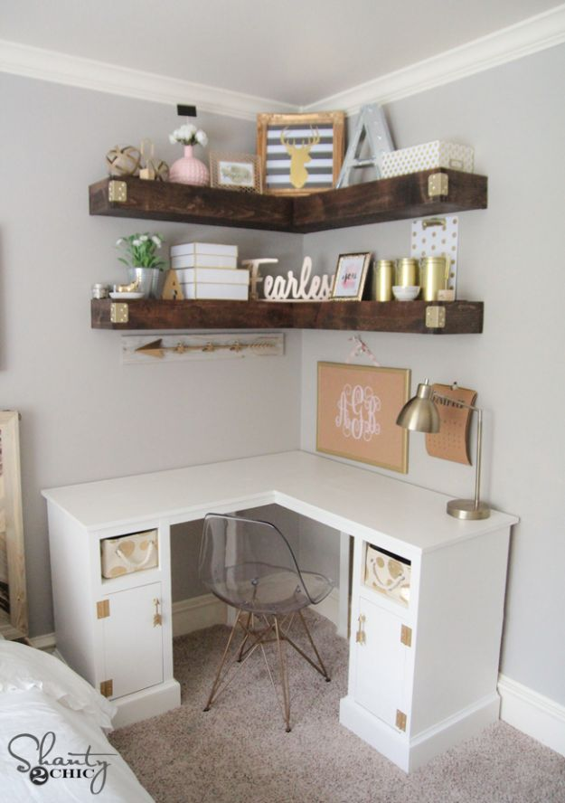 DIY Desks - DIY Corner Desk - Easy To Make Do It Yourself Desk Projects With Step by Step tutorials - Rustic Wood Pallet, Farmhouse Style Furniture, Modern Design and Upcycling Makeover Project Plans - Standing Computer Desks, Ideas for Small Spaces and Home Office - Cheap Desks With Built In Organization, With Storage, With Hutch and Filing Cabinets http://diyjoy.com/diy-desks
