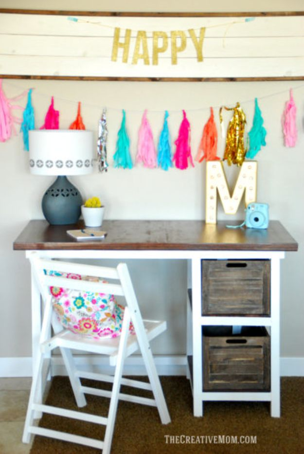 DIY Desks - DIY Farmhouse Desk - Easy To Make Do It Yourself Desk Projects With Step by Step tutorials - Rustic Wood Pallet, Farmhouse Style Furniture, Modern Design and Upcycling Makeover Project Plans - Standing Computer Desks, Ideas for Small Spaces and Home Office - Cheap Desks With Built In Organization, With Storage, With Hutch and Filing Cabinets http://diyjoy.com/diy-desks