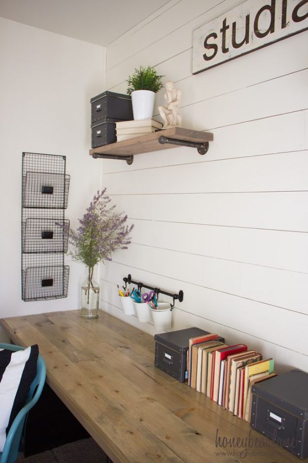 DIY Desks - DIY Industrial Farmhouse Desk - Easy To Make Do It Yourself Desk Projects With Step by Step tutorials - Rustic Wood Pallet, Farmhouse Style Furniture, Modern Design and Upcycling Makeover Project Plans - Standing Computer Desks, Ideas for Small Spaces and Home Office - Cheap Desks With Built In Organization, With Storage, With Hutch and Filing Cabinets