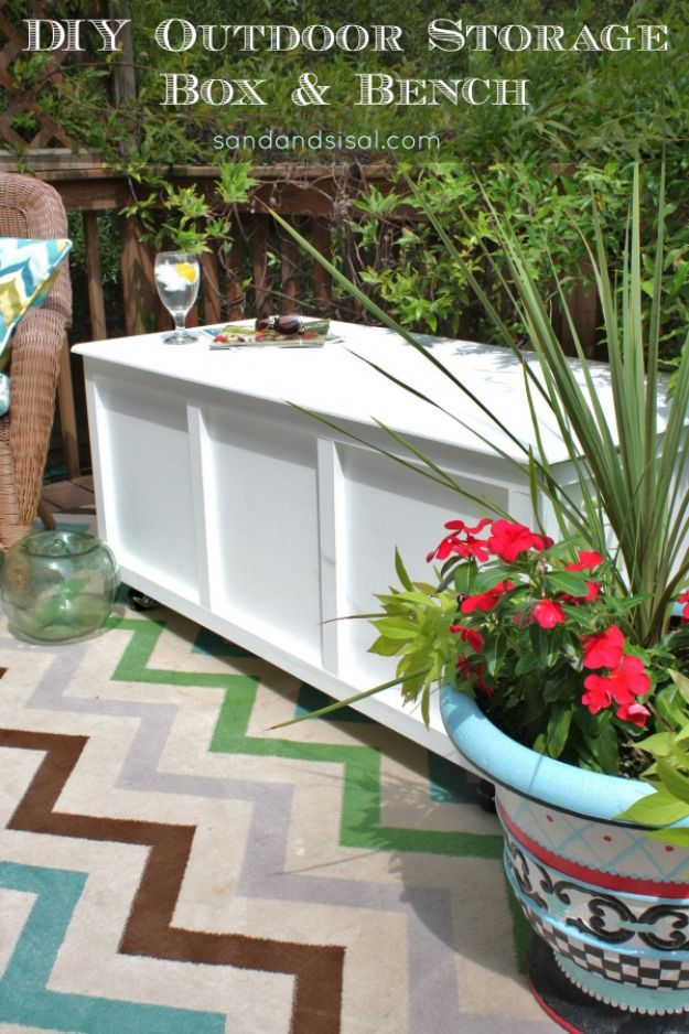 DIY Outdoor Furniture - DIY Outdoor Storage Box and Bench - Cheap and Easy Ideas for Patio and Porch Seating and Tables, Chairs, Sofas - How To Make Outdoor Furniture Projects on A Budget - Fmaily Friendly Decor Kids Love - Quick Projects to Make This Weekend - Swings, Pallet Tables, End Tables, Rocking Chairs, Daybeds and Benches