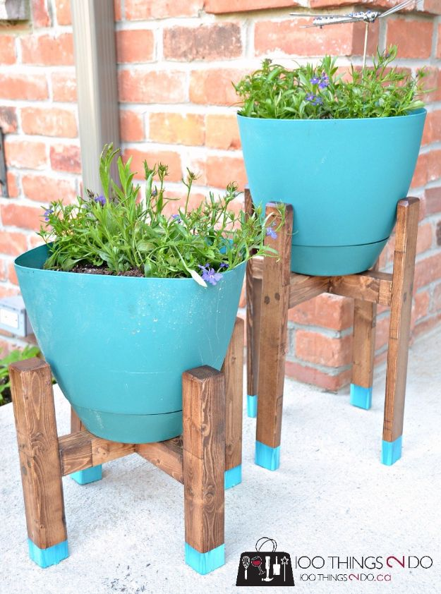 DIY Outdoor Furniture - DIY Plant Stands - Cheap and Easy Ideas for Patio and Porch Seating and Tables, Chairs, Sofas - How To Make Outdoor Furniture Projects on A Budget - Fmaily Friendly Decor Kids Love - Quick Projects to Make This Weekend - Swings, Pallet Tables, End Tables, Rocking Chairs, Daybeds and Benches http://diyjoy.com/diy-outdoor-furniture