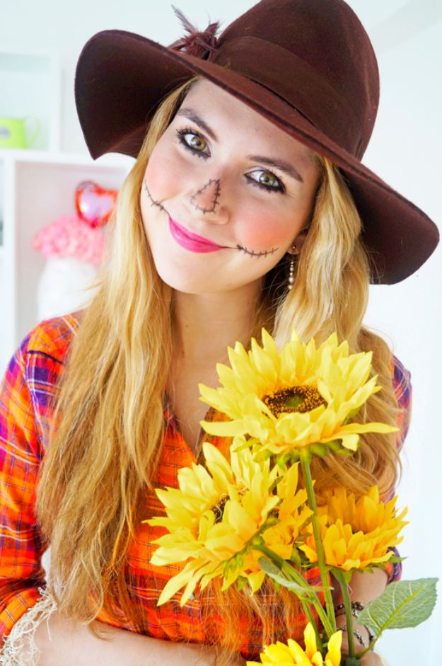 DIY Halloween Makeup Tutorials - Easy Scarecrow Makeup - Easy Makeup Tips and Tutorial Ideas for The Best Halloween Costume - Animals, Eyes, Creative Faces, Simple and Scary Ghosts, Skeletons and Creatures - Zombie Makeup, Cute Looks, DIY Vampire, Gypsy, Mermaid and Creepy Sugar Skull, Cool Glam Looks for A Halloween Party and Instagram Photos - Ideas for Couples and Kids