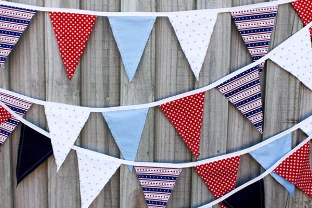 Sewing Projects for Beginners - Fabric Bunting Flags - Easy Sewing Project Ideas and Free Patterns for Basic Clothing, Kids Clothes, Quick Baby Gifts, DIY Bags, Sewing Crafts to Make and Sell on Etsy - Scarf Tutorial, Blankets, Stuffed Animals, Home Decor and Linens, Curtains and Bedding, Hand Sewn cute christmas gifts to sew