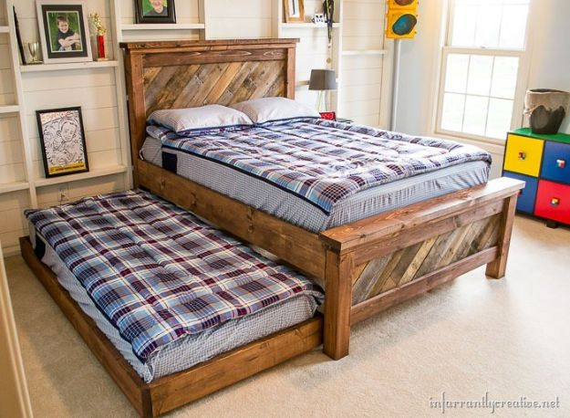 DIY Bed Frames - Farmhouse Pallet Bed With Rolling Trundle - How To Make a Headboard - Do It Yourself Projects for Platform Beds, Twin, King, Queen and Full Bed - Kids Rooms, Drawers and Storage Units, Bookshelf step by step tutorial free plans