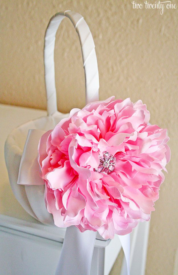 Dollar Tree Wedding Ideas - Flower Girl Basket - Cheap and Easy Dollar Store Crafts from Your Local Dollar Tree Store - Inexpensive Wedding Decor for the Bride on A Budget - Crafts and Centerpieces, Guest Book, Favors and Decorations You Can Make for Weddings - Pretty, Creative Flowers, Table Decor, Place Cards, Signs and Event Planning Idea