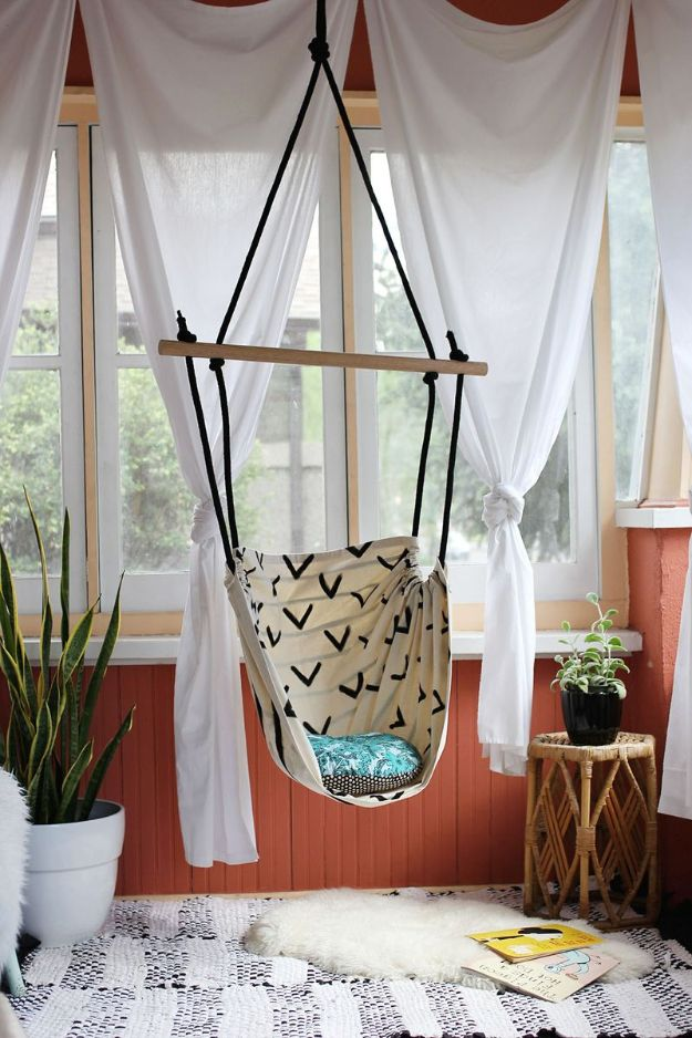 DIY Outdoor Furniture - Hammock Chair DIY - Cheap and Easy Ideas for Patio and Porch Seating and Tables, Chairs, Sofas - How To Make Outdoor Furniture Projects on A Budget - Fmaily Friendly Decor Kids Love - Quick Projects to Make This Weekend - Swings, Pallet Tables, End Tables, Rocking Chairs, Daybeds and Benches http://diyjoy.com/diy-outdoor-furniture