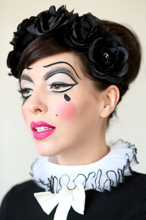 Best Halloween Makeup Tutorials - Harlequin Doll Halloween Makeup - Easy Makeup Tips and Tutorial Ideas for The Best Halloween Costume - Animals, Eyes, Creative Faces, Simple and Scary Ghosts, Skeletons and Creatures - Zombie Makeup, Cute Looks, DIY Vampire, Gypsy, Mermaid and Creepy Sugar Skull, Cool Glam Looks for A Halloween Party and Instagram Photos - Ideas for Couples and Kids http://diyjoy.com/best-halloween-makeup-tutorials