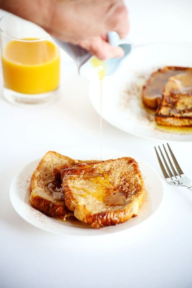 French Toast Recipes - Healthy Vegan Cinnamon French Toast - Best Brunch Bites and Breakfast Ideas for French Toast - Stuffed, Baked and Creme Brulee Toasts With Fruit - Healthy Sugar Free, Gluten Free and Keto Versions - Casserole Ideas for Parties and Feeding A Crowd, Sticks and Overnight Prep - How To Make French Toast Perfectly, Classic Powdered Sugar French Toast Recipe http://diyjoy.com/french-toast-recipes