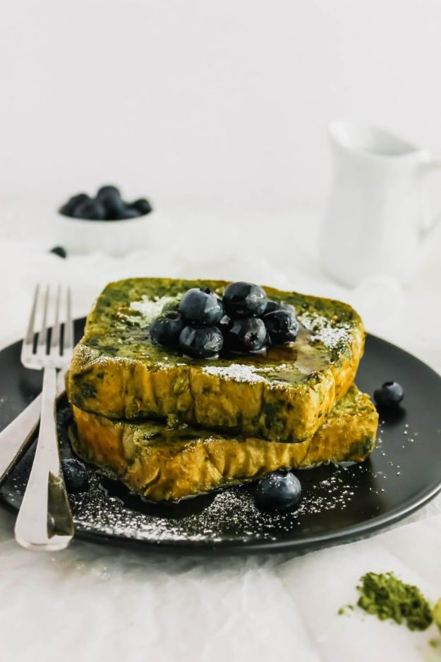 French Toast Recipes - Matcha French Toast - Best Brunch Bites and Breakfast Ideas for French Toast - Stuffed, Baked and Creme Brulee Toasts With Fruit - Healthy Sugar Free, Gluten Free and Keto Versions - Casserole Ideas for Parties and Feeding A Crowd, Sticks and Overnight Prep - How To Make French Toast Perfectly, Classic Powdered Sugar French Toast Recipe http://diyjoy.com/french-toast-recipes