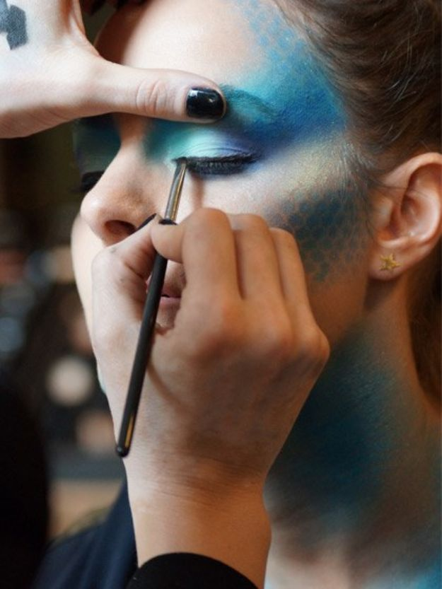 Best Halloween Makeup Tutorials - Mermaid Makeup - Easy Makeup Tips and Tutorial Ideas for The Best Halloween Costume - Animals, Eyes, Creative Faces, Simple and Scary Ghosts, Skeletons and Creatures - Zombie Makeup, Cute Looks, DIY Vampire, Gypsy, Mermaid and Creepy Sugar Skull, Cool Glam Looks for A Halloween Party and Instagram Photos - Ideas for Couples and Kids