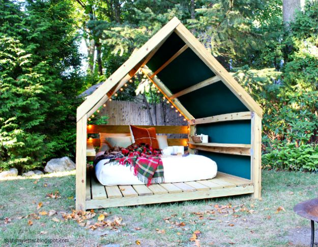 DIY Outdoor Furniture - Outdoor Cabana - Cheap and Easy Ideas for Patio and Porch Seating and Tables, Chairs, Sofas - How To Make Outdoor Furniture Projects on A Budget - Fmaily Friendly Decor Kids Love - Quick Projects to Make This Weekend - Swings, Pallet Tables, End Tables, Rocking Chairs, Daybeds and Benches