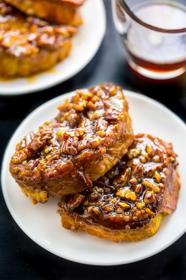 French Toast Recipes - Overnight Pecan Pie French Toast - Best Brunch Bites and Breakfast Ideas for French Toast - Stuffed, Baked and Creme Brulee Toasts With Fruit - Healthy Sugar Free, Gluten Free and Keto Versions - Casserole Ideas for Parties and Feeding A Crowd, Sticks and Overnight Prep - How To Make French Toast Perfectly, Classic Powdered Sugar French Toast Recipe http://diyjoy.com/french-toast-recipes