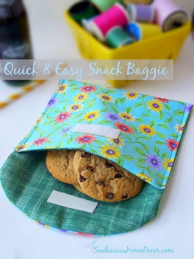 Sewing Projects for Beginners - Quick and Easy Snack Baggie - Easy Sewing Project Ideas and Free Patterns for Basic Clothing, Kids Clothes, Quick Baby Gifts, DIY Bags, Sewing Crafts to Make and Sell on Etsy - Scarf Tutorial, Blankets, Stuffed Animals, Home Decor and Linens, Curtains and Bedding, Hand Sewn cute christmas gifts to sew
