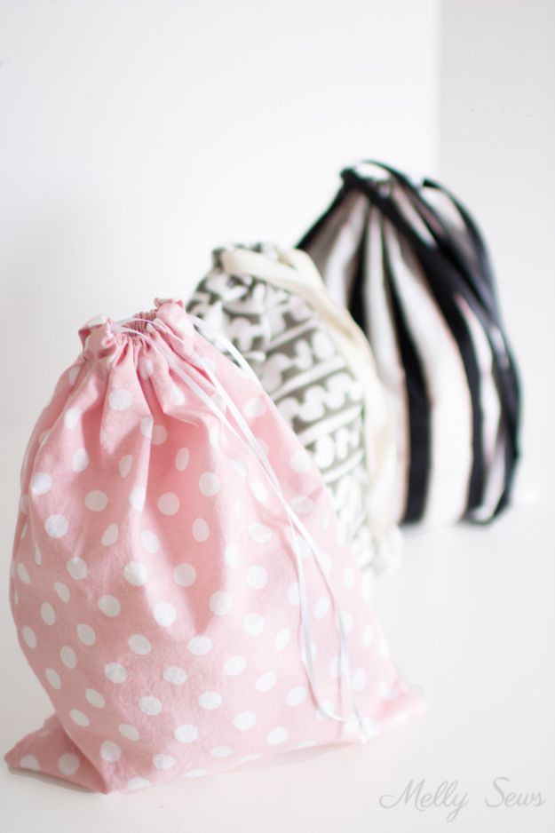 Sewing Projects for Beginners - Sew A Drawstring Bag - Easy Sewing Project Ideas and Free Patterns for Basic Clothing, Kids Clothes, Quick Baby Gifts, DIY Bags, Sewing Crafts to Make and Sell on Etsy - Scarf Tutorial, Blankets, Stuffed Animals, Home Decor and Linens, Curtains and Bedding, Hand Sewn cute christmas gifts to sew