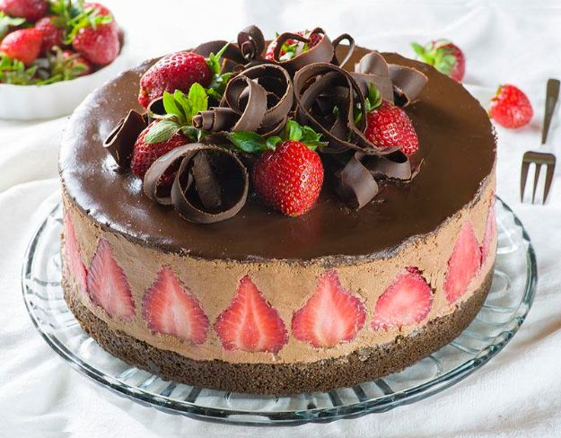 DIY Birthday Cakes - Strawberry Chocolate Cake - How To Make A Birthday Cake With Step by Step Tutorial - Bake Homemade Cakes for Special Occasions and Birthdays With These Best Birthday Cake Recipes - Fancy Chocolate, Basic Vanilla Buttercream easy cakes recipes birthdays
