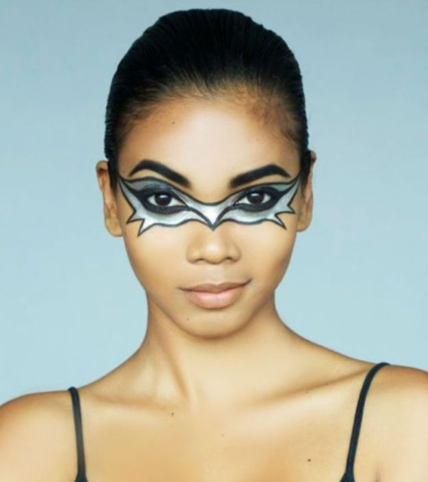 Best Halloween Makeup Tutorials - The Bat Mask - Easy Makeup Tips and Tutorial Ideas for The Best Halloween Costume - Animals, Eyes, Creative Faces, Simple and Scary Ghosts, Skeletons and Creatures - Zombie Makeup, Cute Looks, DIY Vampire, Gypsy, Mermaid and Creepy Sugar Skull, Cool Glam Looks for A Halloween Party and Instagram Photos - Ideas for Couples and Kids http://diyjoy.com/best-halloween-makeup-tutorials