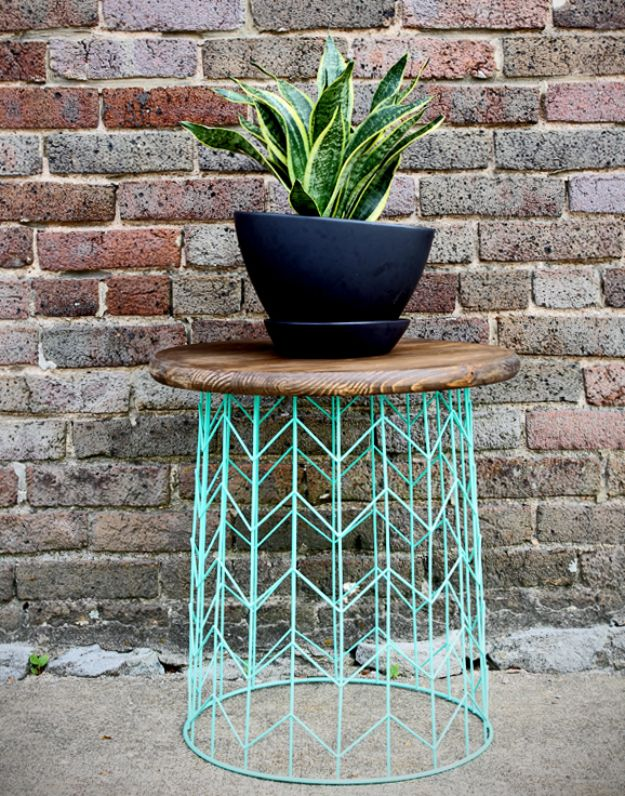 DIY Outdoor Furniture - Wire Basket Side Table - Cheap and Easy Ideas for Patio and Porch Seating and Tables, Chairs, Sofas - How To Make Outdoor Furniture Projects on A Budget - Fmaily Friendly Decor Kids Love - Quick Projects to Make This Weekend - Swings, Pallet Tables, End Tables, Rocking Chairs, Daybeds and Benches http://diyjoy.com/diy-outdoor-furniture