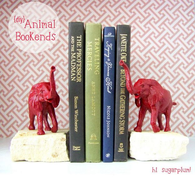 Cheap DIY Gift Ideas - Animal Bookends - List of Handmade Gifts on A Budget and Inexpensive Christmas Presents - Do It Yourself Gift Idea for Family and Friends, Mom and Dad, For Guys and Women, Boyfriend, Girlfriend, BFF, Kids and Teens - Dollar Store and Dollar Tree Crafts, Home Decor, Room Accessories and Fun Things to Make At Home #diygifts #christmas #giftideas #diy