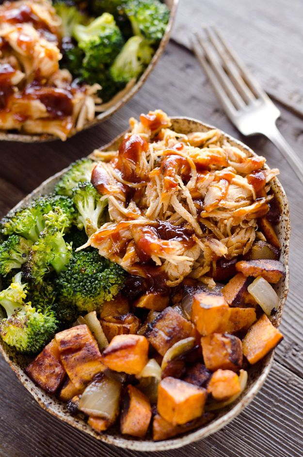Meal Prep Ideas - BBQ Chicken Roasted Sweet Potato Bowls - Recipes and Planning Tips for Making a Week of Meals - Easy, Healthy Recipe Ideas to Make Ahead - Weeknight Dinners Lunches - Crockpot Lunches, Slow Cooker Meals, Freeze Ahead http://diyjoy.com/meal-prep-ideas