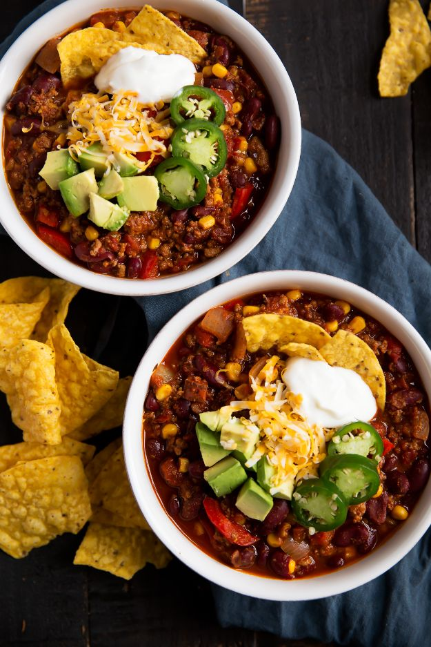 Ground Turkey Recipes - Best Healthy Turkey Chili - Healthy and Easy Turkey Recipe Ideas for Dinner, Lunch, Snack - Quick Crockpot and Instant Pot, Casserole, Meatballs, Pasta and Burgers - Keto Friendly and Low Carb, Paleo, Gluten Free http://diyjoy.com/ground-turkey-recipes