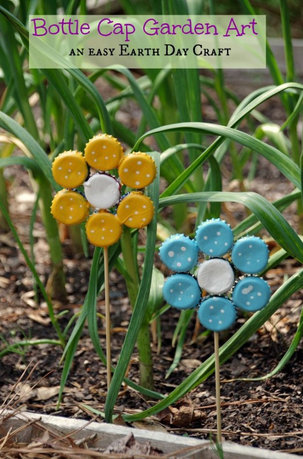DIY Bottle Cap Crafts - Bottle Cap Garden Art - Make Jewelry Projects, Creative Craft Ideas, Gift Ideas for Men, Women and Kids, KeyChains and Christmas Ornaments, Presents