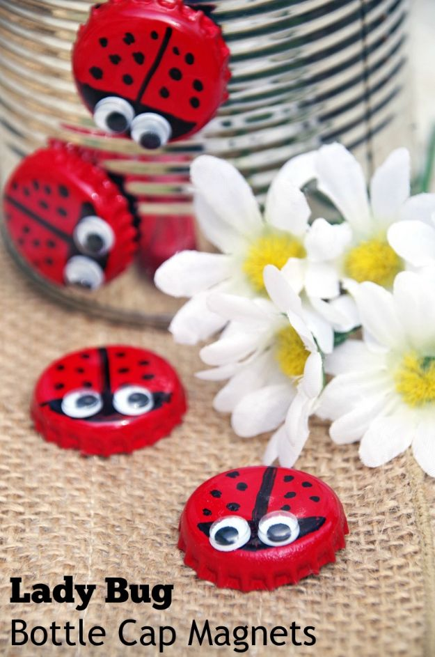 DIY Bottle Cap Crafts - Bottle Cap Magnet Lady Bugs - Make Jewelry Projects, Creative Craft Ideas, Gift Ideas for Men, Women and Kids, KeyChains and Christmas Ornaments, Presents
