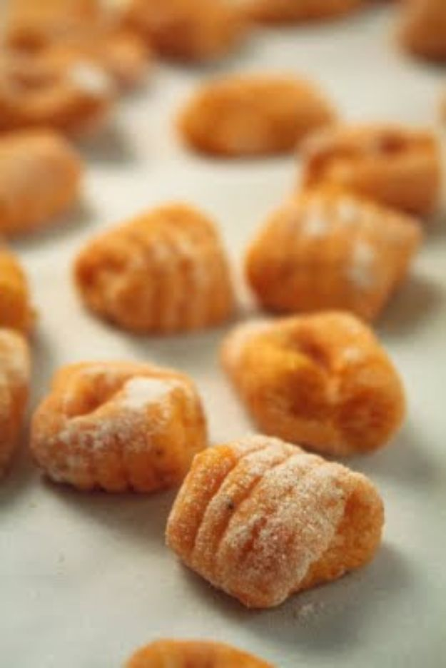 Butternut Squash Recipes - Butternut Squash Gnocchi - Healthy and Hearty Butter Nut Recipe Ideas for Soup, Roasted, Baked, Instant Pot, Crockpot, Mashed- Pasta, Salad, Dessert and Easy Side Dishes - Paleo,and Gluten Free Versions, Thanksgiving Favorites http://diyjoy.com/butternut-squash-recipes
