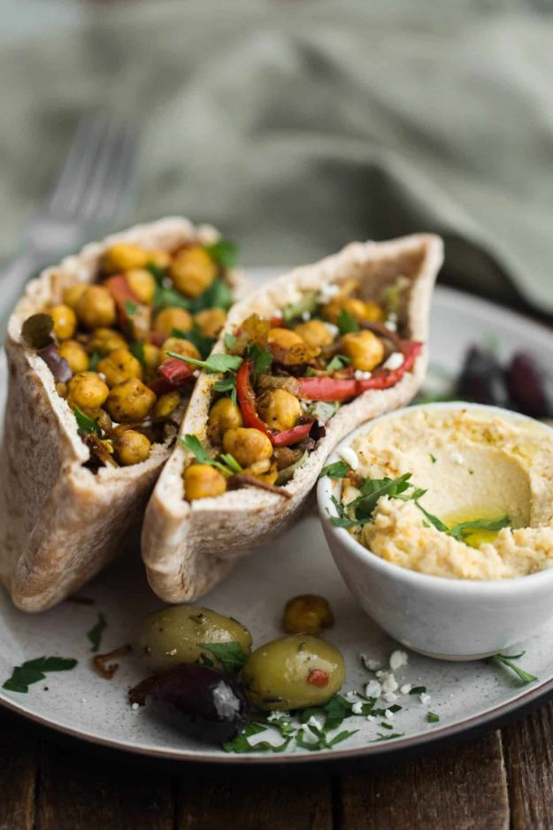 Meal Prep Ideas - Chickpea Shawarma Stuffed Pita - Recipes and Planning Tips for Making a Week of Meals - Easy, Healthy Recipe Ideas to Make Ahead - Weeknight Dinners Lunches  #mealprep #dinnerideas