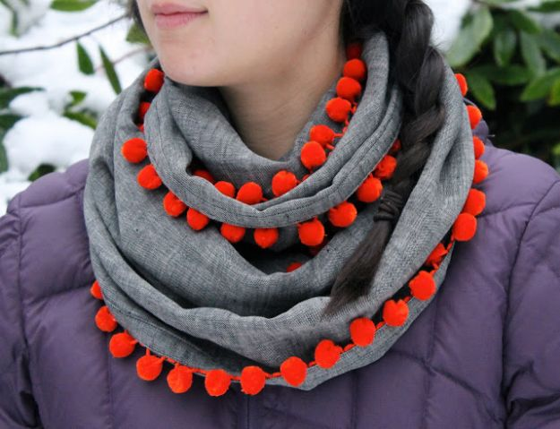 DIY Clothes for Winter - DIY Bobble Scarf - Cool Fashion Ideas to Make for Cold Weather - Handmade Scarves, Hats, Coats, Gloves and Mittens, Sweaters and Wraps - Easy Sewing Tutorials and No Sew Items - Creative and Quick Homemade Gifts and Christmas Present Ideas