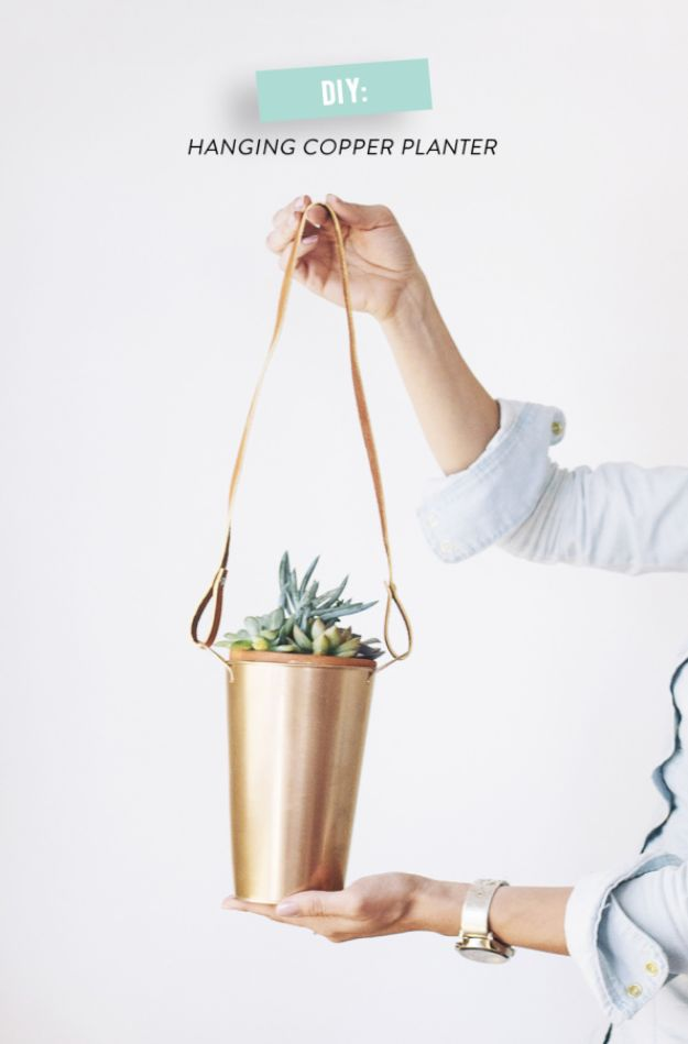 Cheap Last Minute Gifts DIY - DIY Copper Hanging Plants - Inexpensive DIY Gift Ideas To Make On A Budget - Homemade Christmas and Birthday Presents to Make For Mom, Dad, Daughter & Son, Kids, Friends and Family - Cool and Creative Crafts, Home Decor and Accessories, Fun Gadgets and Phone Stuff - Quick Gifts From Dollar Tree Items http://diyjoy.com/cheap-last-minute-gifts