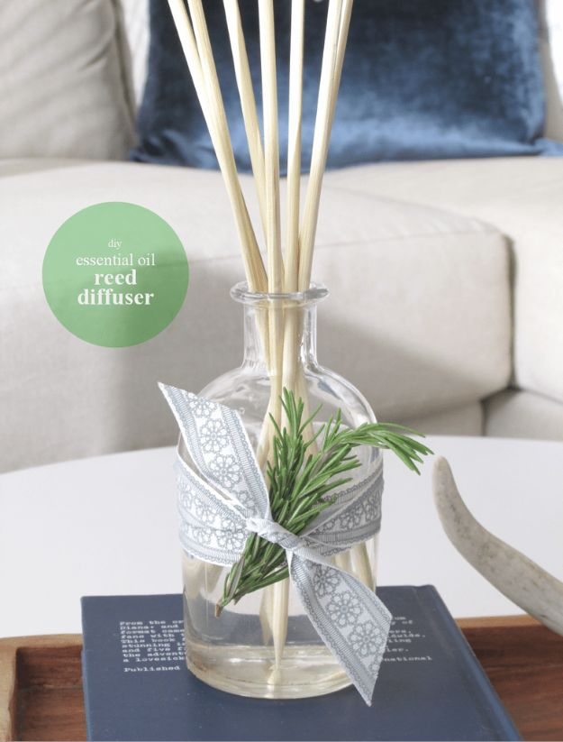 Cheap Last Minute Gifts DIY - DIY Essential Oil Home Reed Diffuser - Inexpensive DIY Gift Ideas To Make On A Budget - Homemade Christmas and Birthday Presents to Make For Mom, Dad, Daughter & Son, Kids, Friends and Family - Cool and Creative Crafts, Home Decor and Accessories, Fun Gadgets and Phone Stuff - Quick Gifts From Dollar Tree Items http://diyjoy.com/cheap-last-minute-gifts