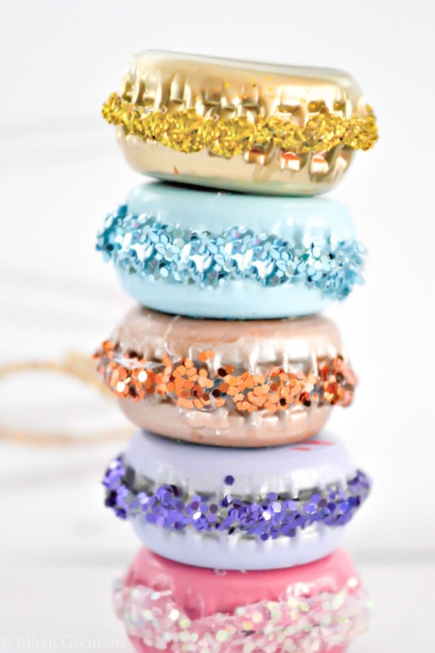 DIY Bottle Cap Crafts - DIY French Macaron Ornaments - Make Jewelry Projects, Creative Craft Ideas, Gift Ideas for Men, Women and Kids, KeyChains and Christmas Ornaments, Presents http://diyjoy.com/diy-projects-bottle-caps
