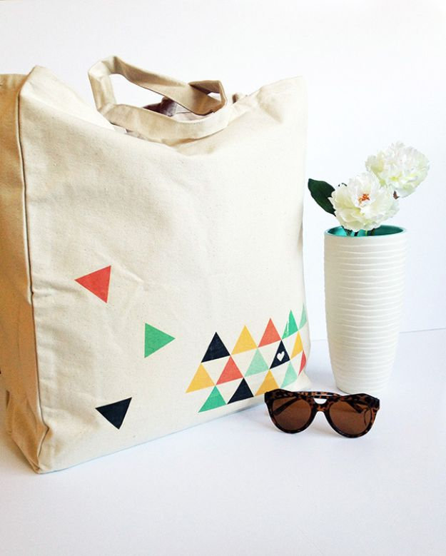DIY Shopping Bags - DIY Geometric Printed Tote Bag - Drawstring Bag Tutorials - How To Make A Shopping Bag - Use Fabric Scraps, Old Denim Jeans, Upcycled Items - Cute Monogrammed Ideas, Painted Bags and Sewing Tutorials for Beginners s