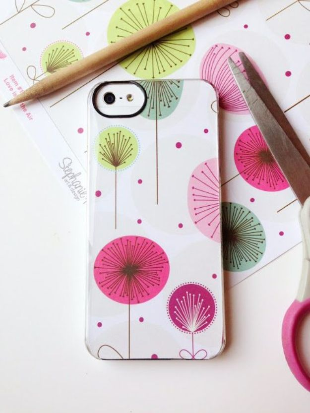 Cheap Last Minute Gifts DIY - DIY Iphone Cover - Inexpensive DIY Gift Ideas To Make On A Budget - Homemade Christmas and Birthday Presents to Make For Mom, Dad, Daughter & Son, Kids, Friends and Family - Cool and Creative Crafts, Home Decor and Accessories, Fun Gadgets and Phone Stuff - Quick Gifts From Dollar Tree Items http://diyjoy.com/cheap-last-minute-gifts