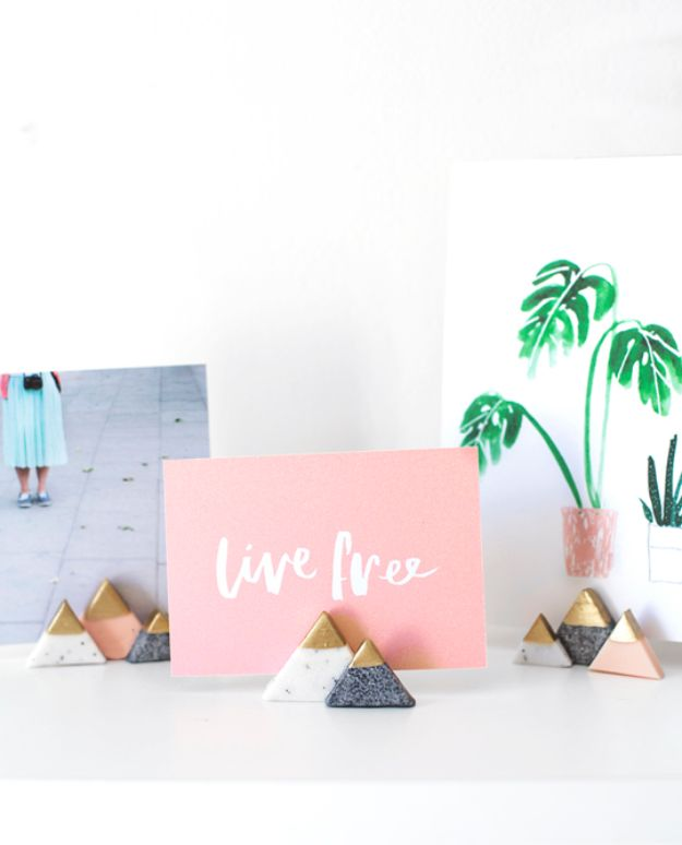 Cheap Last Minute Gifts DIY - DIY Mini Mountain Photo Holders - Inexpensive DIY Gift Ideas To Make On A Budget - Homemade Christmas and Birthday Presents to Make For Mom, Dad, Daughter & Son, Kids, Friends and Family - Cool and Creative Crafts, Home Decor and Accessories, Fun Gadgets and Phone Stuff - Quick Gifts From Dollar Tree Items #diygifts #cheapgifts #christmasgifts