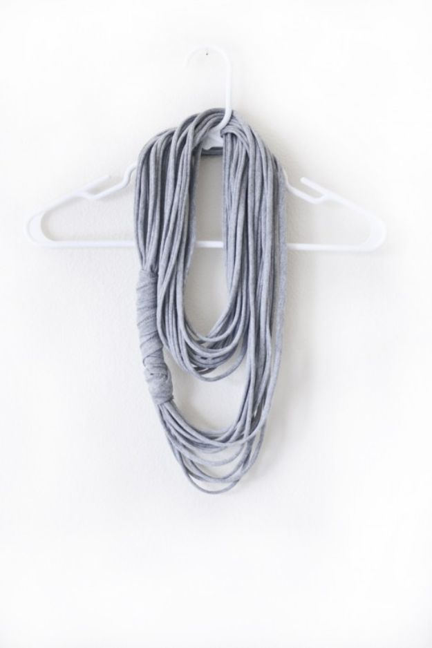 Cheap Last Minute Gifts DIY - DIY Multi-Strand Scarf - Inexpensive DIY Gift Ideas To Make On A Budget - Homemade Christmas and Birthday Presents to Make For Mom, Dad, Daughter & Son, Kids, Friends and Family - Cool and Creative Crafts, Home Decor and Accessories, Fun Gadgets and Phone Stuff - Quick Gifts From Dollar Tree Items http://diyjoy.com/cheap-last-minute-gifts