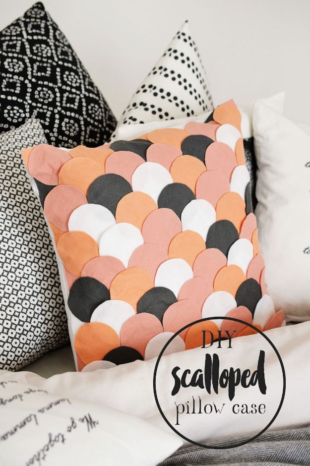 Cheap DIY Living Room Decor Ideas - DIY Scalloped Pillow Case - Cool Modern, Rustic Creative Farmhouse Home Decor On A Budget - Do It Yourself Coffee Tables, Wall Art, Rugs, Pillows and Chairs. Step by Step Tutorials and Instructions http://diyjoy.com/cheap-diy-living-room-decor